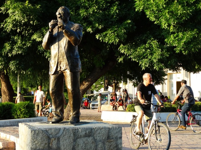 Šaban Bajramović Monument 02, Niš, Serbia